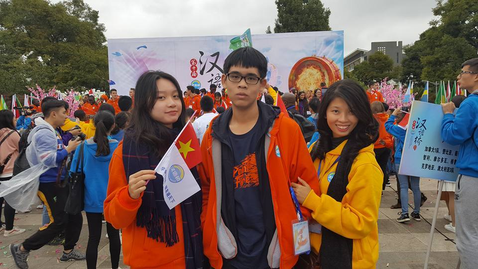 Cô Thuỷ Hạnh dẫn đoàn Việt Nam thi Hùng Biện Tiếng Trung Quốc Tế